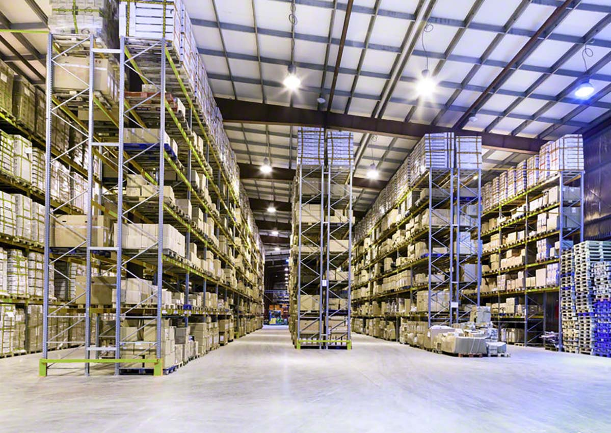 LED lighting solutions for warehouses and industrial spaces